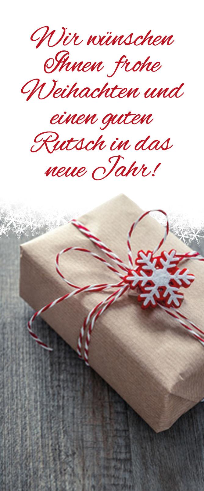 weihnachtlich eingepacktes Geschenk